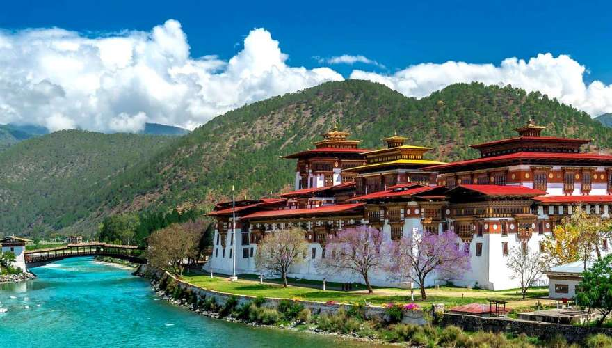 Majestic Bhutan: A Seven Day Luxury Bhutan Tour